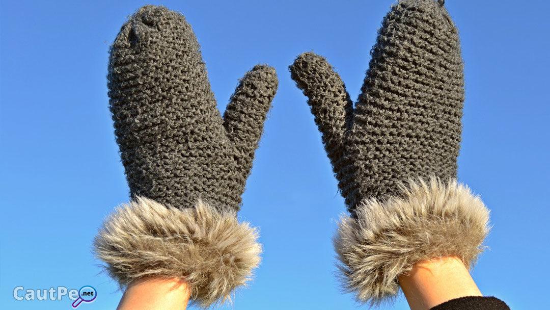 Vine iarna bine-mi pare, scot manusa la plimbare