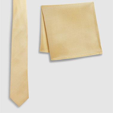 Set de batista decorativa si cravata de matase